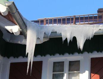 ice dam on roof 2